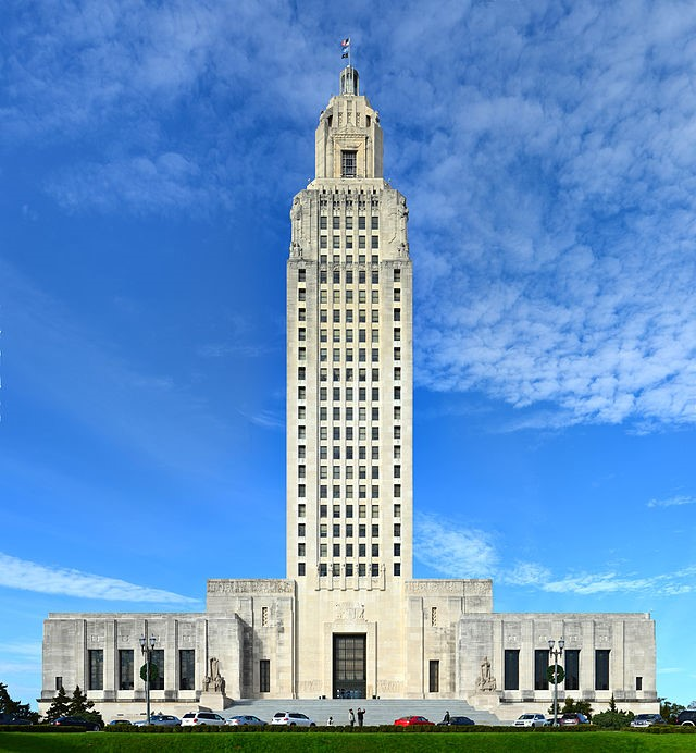 state_capitol_of_Louisiana.jpg